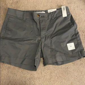 "Old navy everyday shorts. Size 6 wm NWT. Gray 5"""